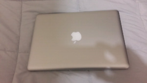 2012 MACBOOK PRO - PRICED FOR QUICK SALE