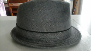 Attitude brand - lined hat