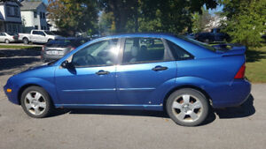 2005 Ford Focus ZX4 Sedan - Manual Transmission - Heated Seats