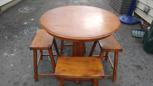 Solid wood table and 4 stools