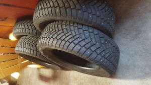 4 215/60R16 Studded Winter Tires