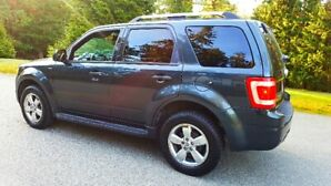 As New** 2010 Ford Escape Limited  080,000 Kms Leather AWD V6