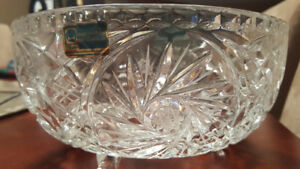 NEW - VINTAGE PINWHEEL CLEAR GLASS ETCHED 24% CRYSTAL BOWL