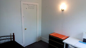 APT 3 WITH 3 ROOMS   FOR RENT CLOSE TO uOTTAWA !