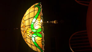 Stained glass lamp pattern.