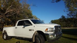 2013 Dodge Ram 3500 Diesel 4x4 6 Speed 93K
