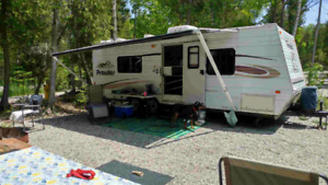 2005 Prowler 25th RV