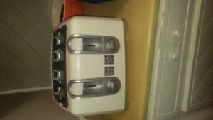 Four slice toaster like new for sale