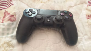 PS 4 controller..nearly new