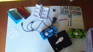 1 DS lite and 1 DSi, 10 games, TT chip and more.......