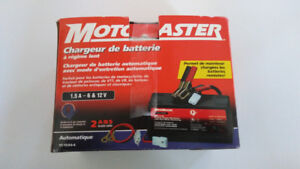 Chargeur Motomaster, 6/12 volts, 1.5 Amp.