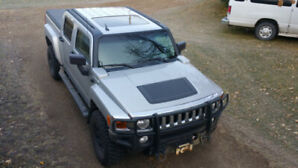 2010 HUMMER H3T Adventure Pickup Truck