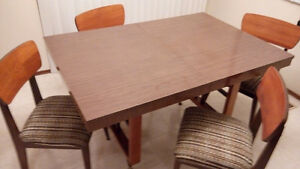 1960s dining table, chairs & hutch set