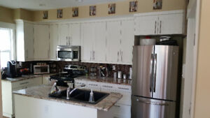 4 Bedroom Inner City Townhome for Rent -Pet & Roommate Friendly!
