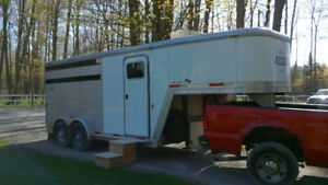 TWO Horse Trailer - with LIVING QUARTERS