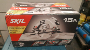 "SKIL 71/4"" circular saw in box"