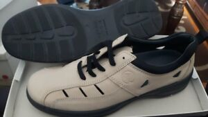 Rohde Women's Shoes-Size:10.5 brand new in box
