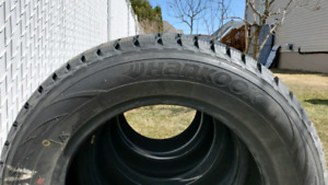 Hankook 225/60R15 Winter/Hiver Tires