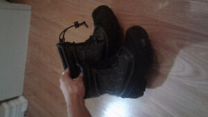 Size  11 boys winter boots.