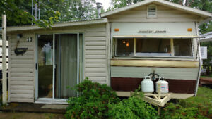 WATERFRONT COTTAGE LIFE ON A BUDGET - WATERFRONT MOBILE HOME