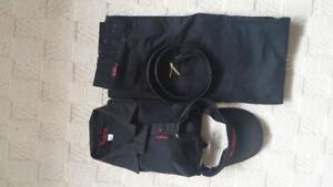 Tim Hortons women's uniform size 4, shoes size 7.5