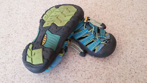Keen sandals child size 11 London Ontario image 2