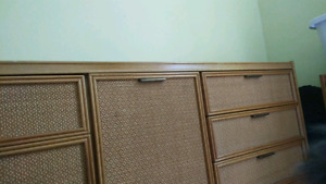 Bureau 6 tiroir et table de chevet