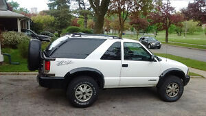 2005 GMC Jimmy ZR2 SUV, 2 door, Sport Utility 4x4