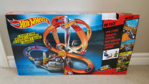Hotwheels Spin Storm Track
