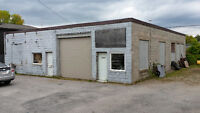 FOR RENT: COMMERCIAL WAREHOUSE IN DOWNTOWN NORTH BAY.