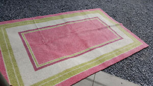 Girl's accent rug