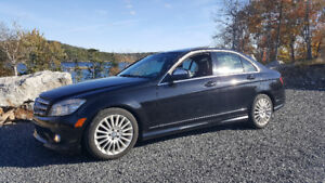 2009 Mercedes C230 awd - low kms
