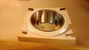 6 IN POLISHED CHROME BAFFLE WHITE TRIM RING