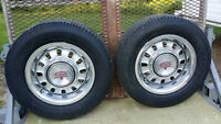 4 Ford GT Wheels and 2 tires