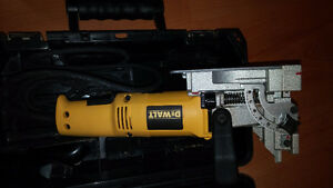 Dewalt DW682  Jointeuse a biscuits