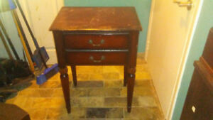 Bombay Antique Style Cherry Accent Table Furniture Meuble