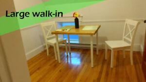 Bright and spacious room***Private bathroom + Walk-in