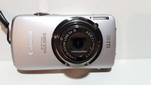 Canon IXUS 200IS  Camera 12 Megapixel  5x Zoom