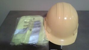 **NEW** HARD HAT AND SAFETY VEST