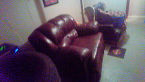 Loveseat and couch black and a brown couch and loveseat leather Regina Regina Area image 4