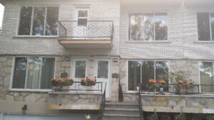 Large 5 1/2 2nd floor walk up for rent on Brunet Av. Dorval