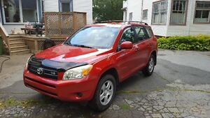 2006 Toyota RAV4 V6 AWD with tow package - Great SUV