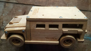 Tonka wooden Jeep Truck Christmas Noel collectible