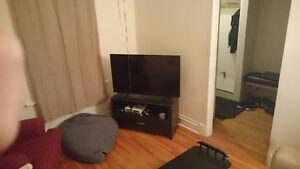 $ bedroom apartment a block from U Ottawa