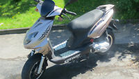 Scooter Keeway a vendre  700 $