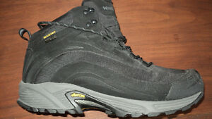 Men's Size 9.5 WindRiver Boots- Winter Hiking Boots