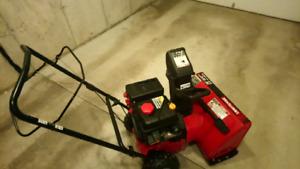 22 INCH 179cc CRAFTSMAN SNOWBLOWER ELECTRIC START - $325