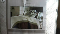 8 Pc Queen Size Comforter set