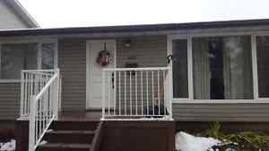 Newly Renovated Fully Furnished House Rental Close to Downtown