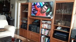 Pine and veneer wall unit (tv not incl)